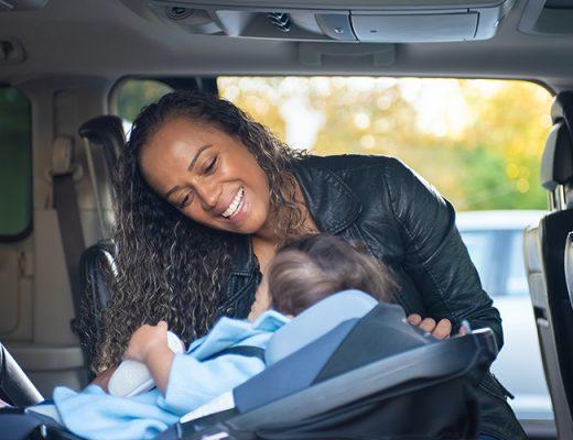 Nos conseils pour choisir un siège auto pivotant